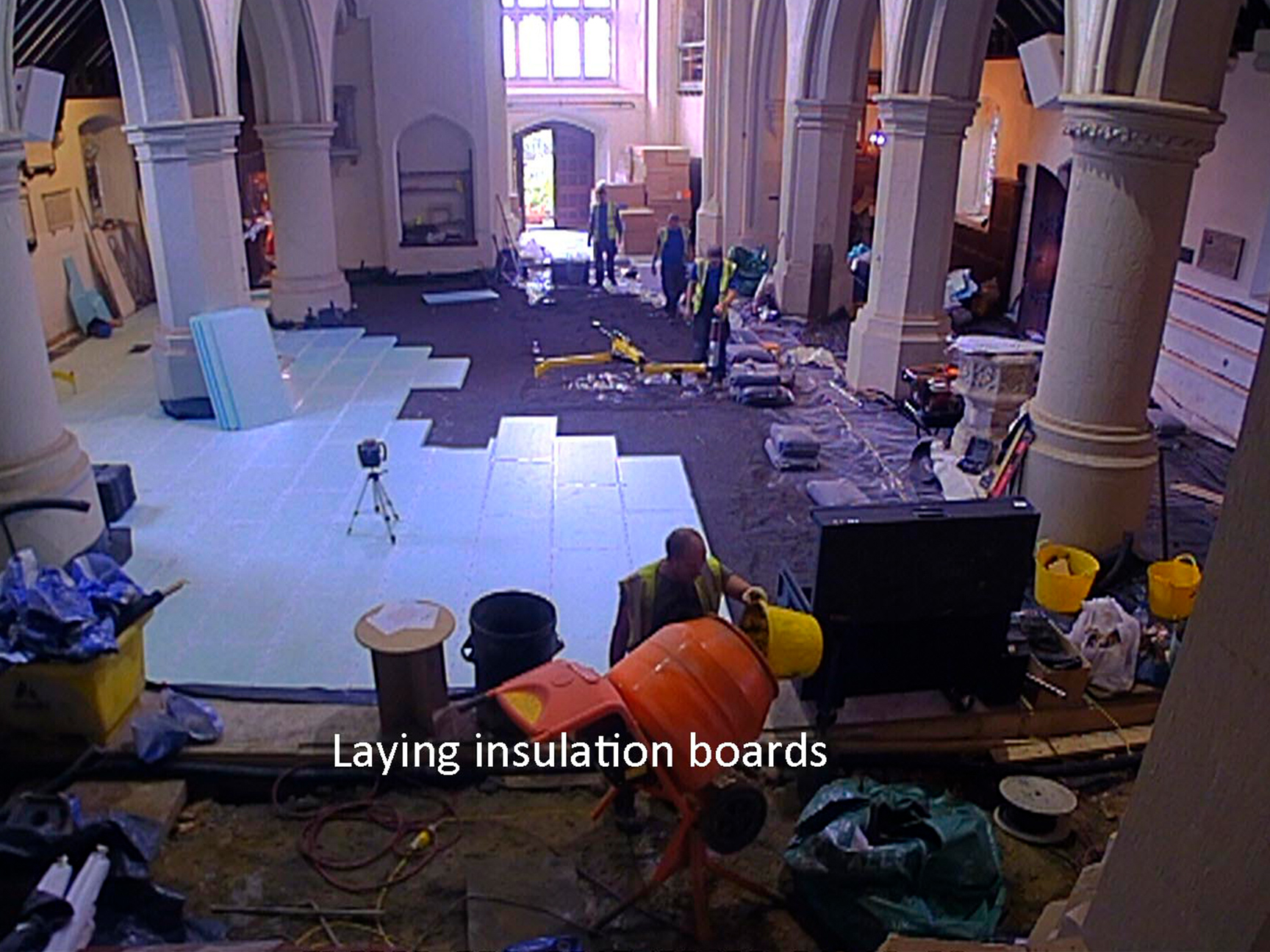 MHTL5-Laying-Insulation-Boards