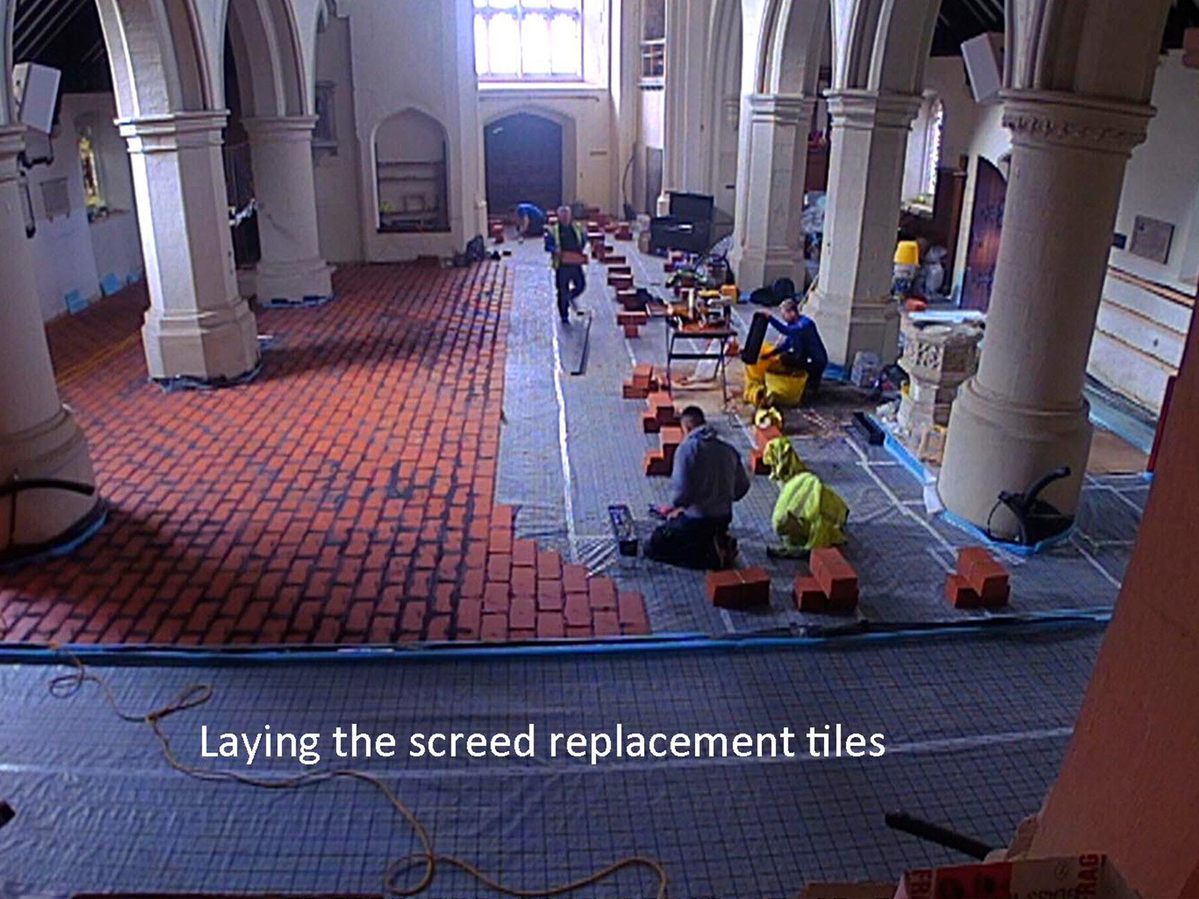MHTL9-Laying-Screed-Tiles